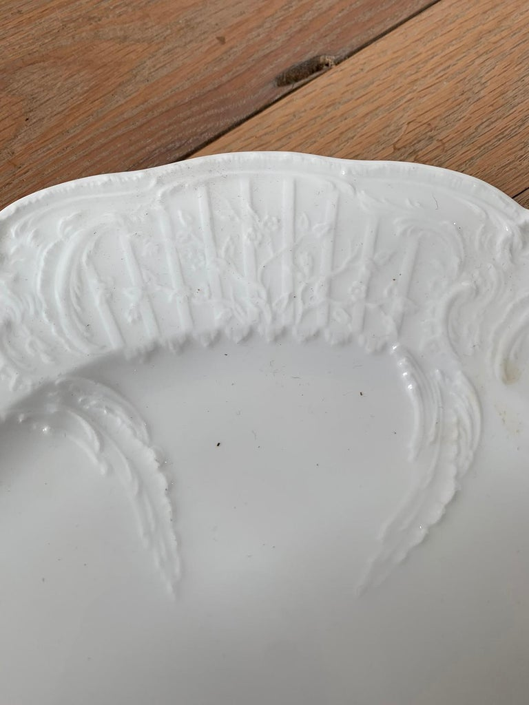German Berlin Royal Vienna Style White Porcelain Plate by KPM Neuosier For Sale 4