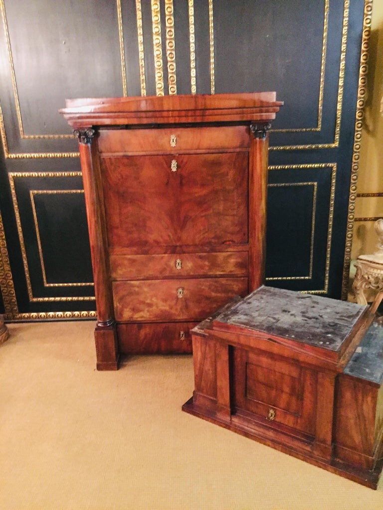 German Biedermeier Secretary circa 1820 Mahogany For Sale 13