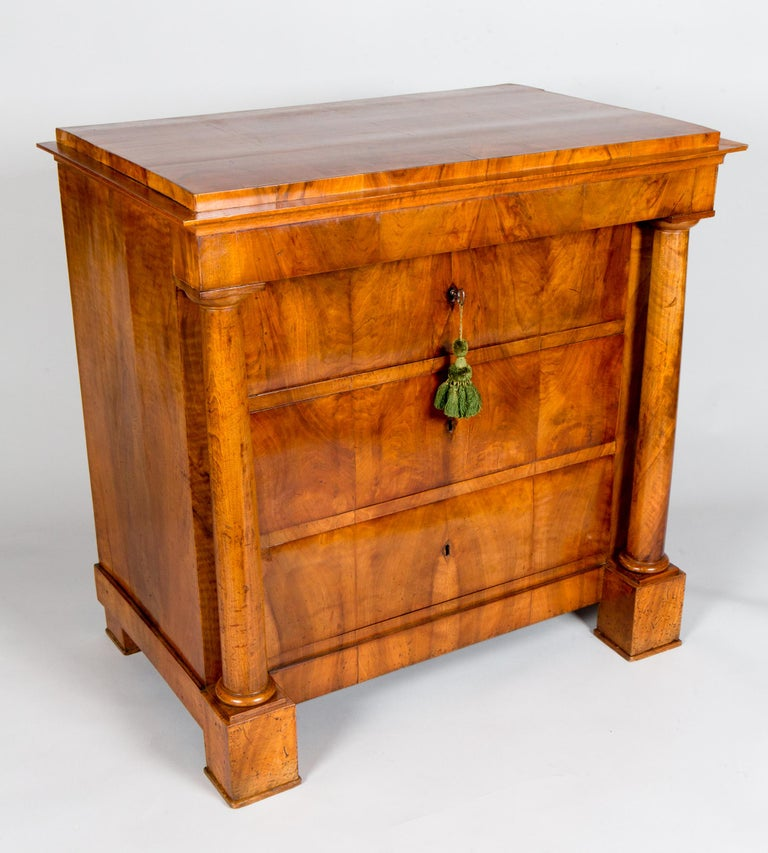 German Biedermeier Walnut Chest of Drawers In Good Condition For Sale In Hudson, NY