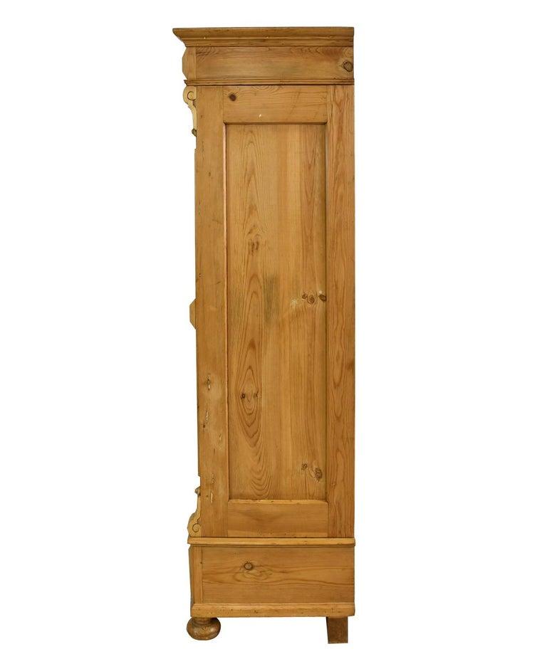 German Gründerzeit Scrubbed Pine Armoire, circa 1880 For Sale 1