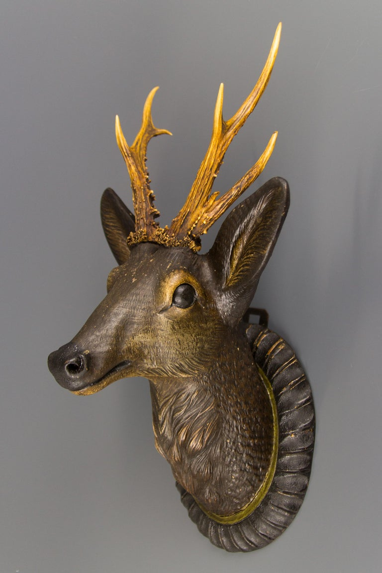 German Hand Carved Wooden Deer Head with Antlers on Carved Wall Plaque In Good Condition For Sale In Barntrup, DE