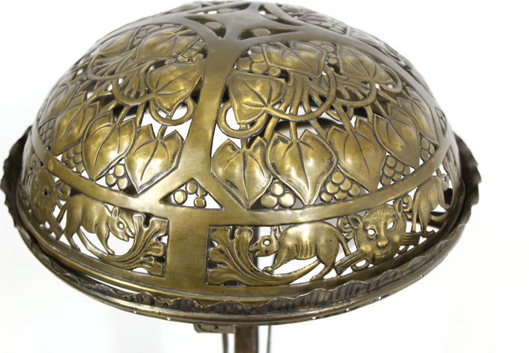 German Jugendstil Repousse Brass and Bronze Table Lamp Attributed to Oscar Bach In Good Condition For Sale In New York, NY