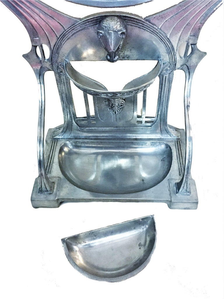 German Jugenstil Grand Silvered Vanity Mirror, circa 1900 In Good Condition For Sale In New York, NY