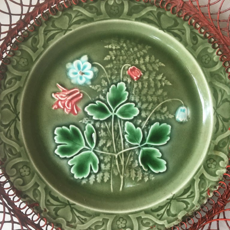 German Majolica Wire Red Flowers Basket, circa 1900 In Good Condition For Sale In The Hills, TX