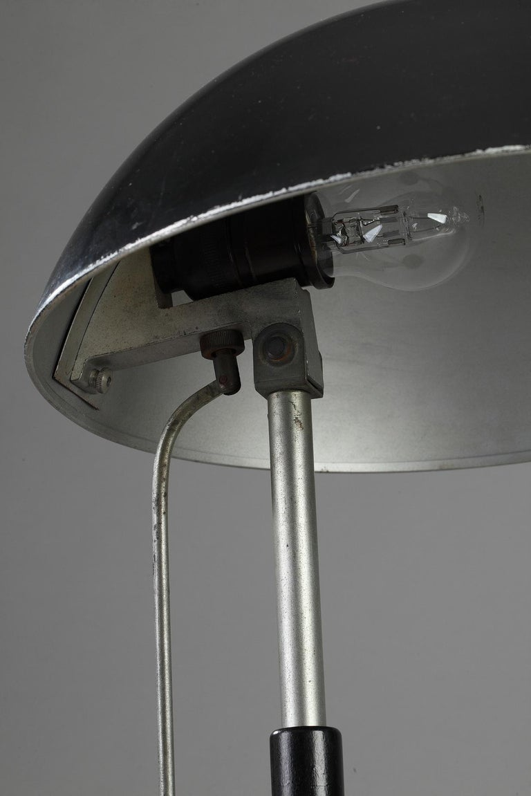 German Modernist Desk Lamp by Karl Trabert & G. Schanzenbach & Co. In Good Condition For Sale In Paris, FR