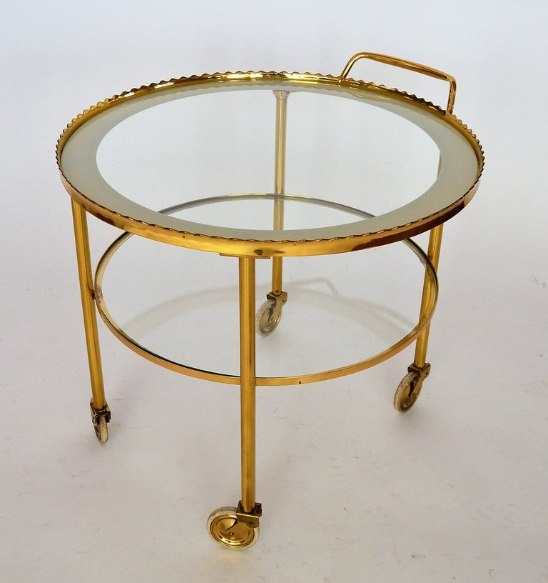 German Regency Brass Bar Cart or Trolley with Crystal Glass Inserts, 1970s In Good Condition For Sale In Clivio, Varese