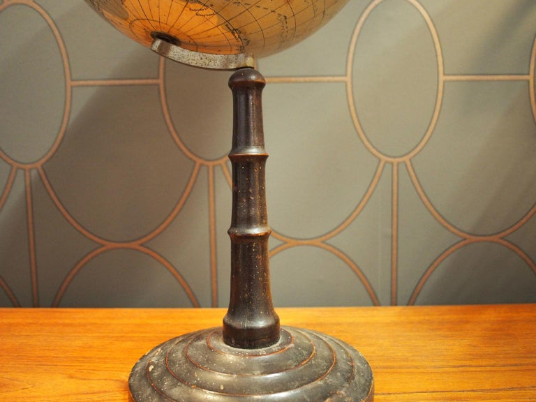 German School Globe from the 1920s In Fair Condition For Sale In Hamburg, DE