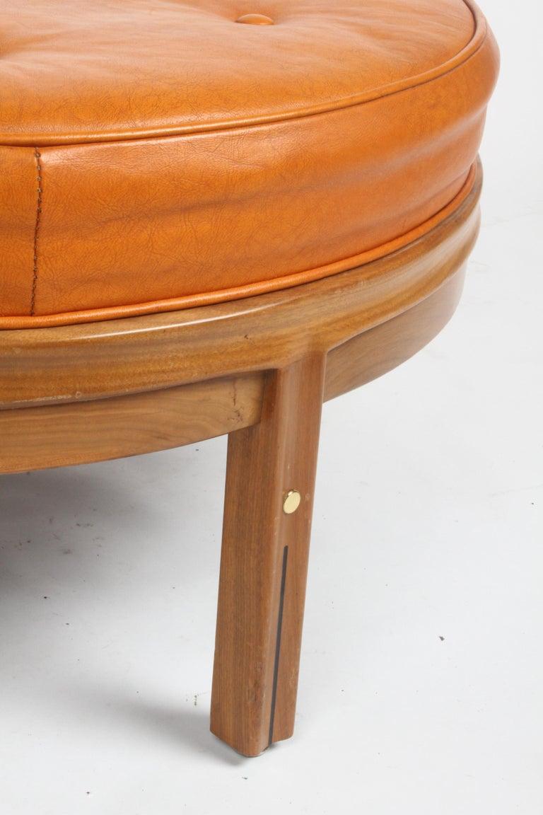 Gerry Zanck for Gregori, Round Orange Leather Pouf or Ottoman on Walnut base  For Sale 4
