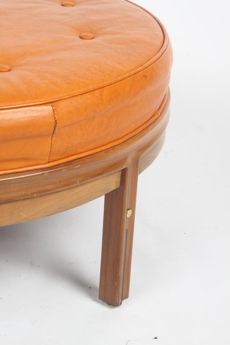 American Gerry Zanck for Gregori, Round Orange Leather Pouf or Ottoman on Walnut base  For Sale