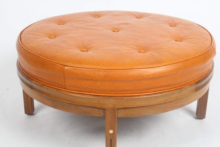 Gerry Zanck for Gregori, Round Orange Leather Pouf or Ottoman on Walnut base  For Sale 2