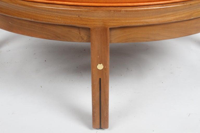 Gerry Zanck for Gregori, Round Orange Leather Pouf or Ottoman on Walnut base  For Sale 3