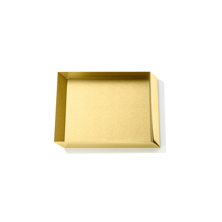 Axonometry squared small tray in brass by Elisa Giovanni.