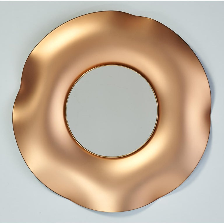 Ghiro Studio Undulating Mirror in Solid Colored Glass, 2018 In New Condition For Sale In New York, NY