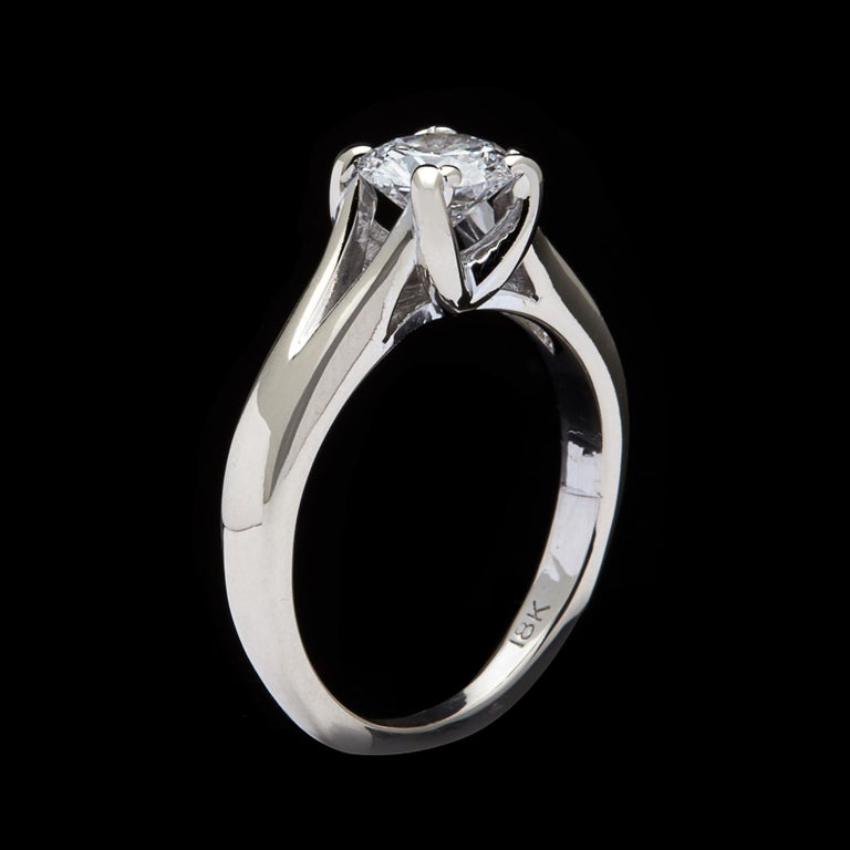 GIA 0.76 Carat D/VS2 Diamond Engagement Ring In Excellent Condition For Sale In San Francisco, CA