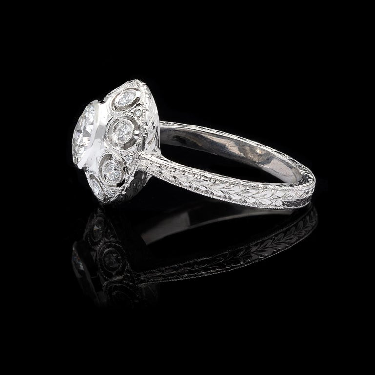 GIA 0.82 Carat F/VS2 Diamond Platinum Engagement Ring In Excellent Condition For Sale In San Francisco, CA
