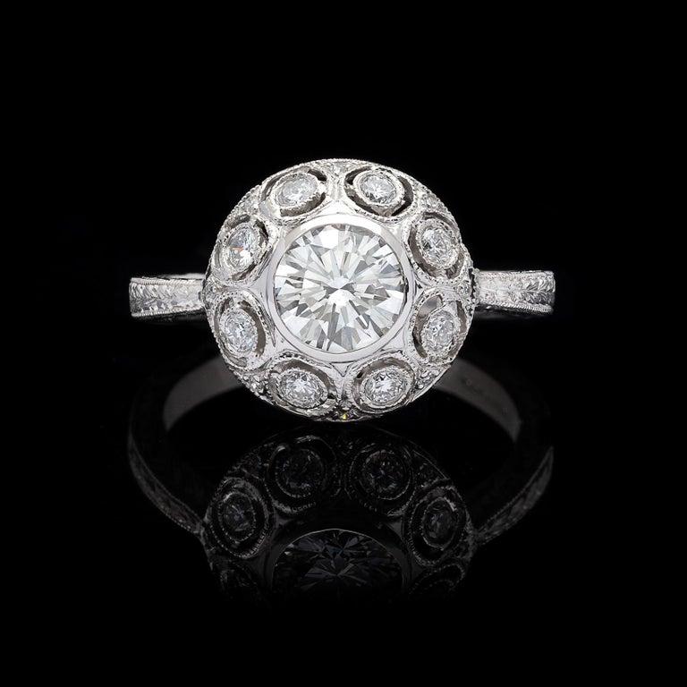 Women's GIA 0.82 Carat F/VS2 Diamond Platinum Engagement Ring For Sale