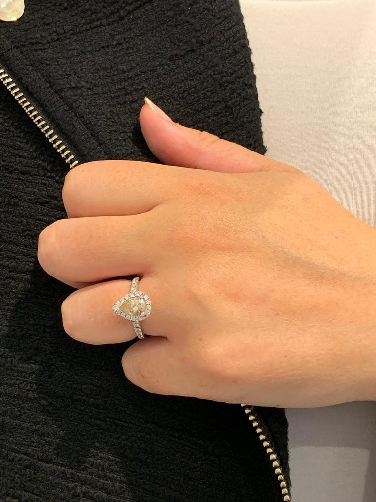 GIA 1.07 Carat Fancy Color Pear Cut Diamond Ring in 18 Carat Gold Halo Setting For Sale 3
