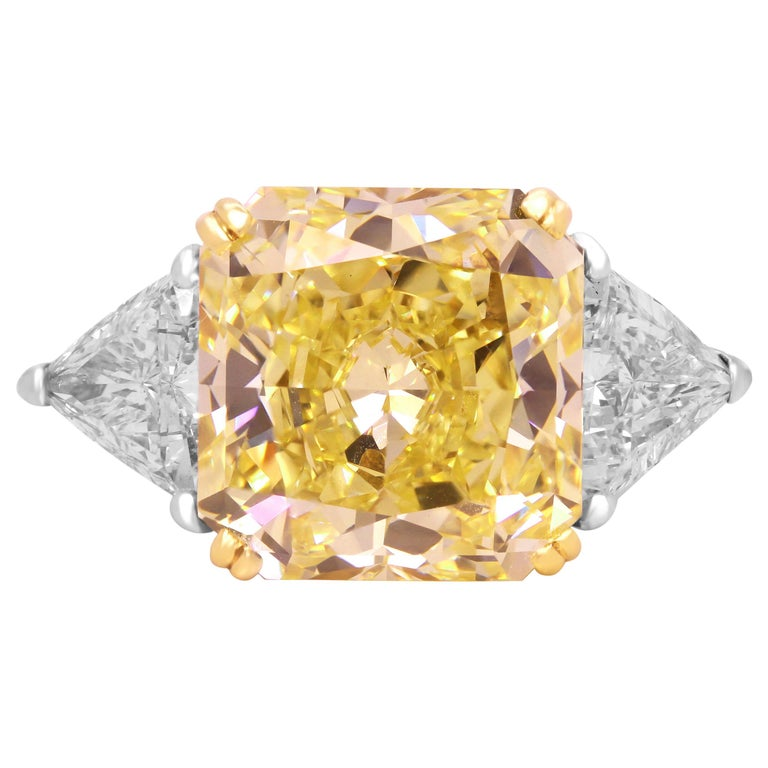 GIA 11.22 Carat VVS1 Fancy Intense Yellow Diamond Ring with Trillion Diamonds For Sale