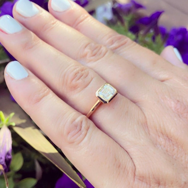 GIA 1.20 Carat I/VS1 Emerald Cut Engagement Ring For Sale 1