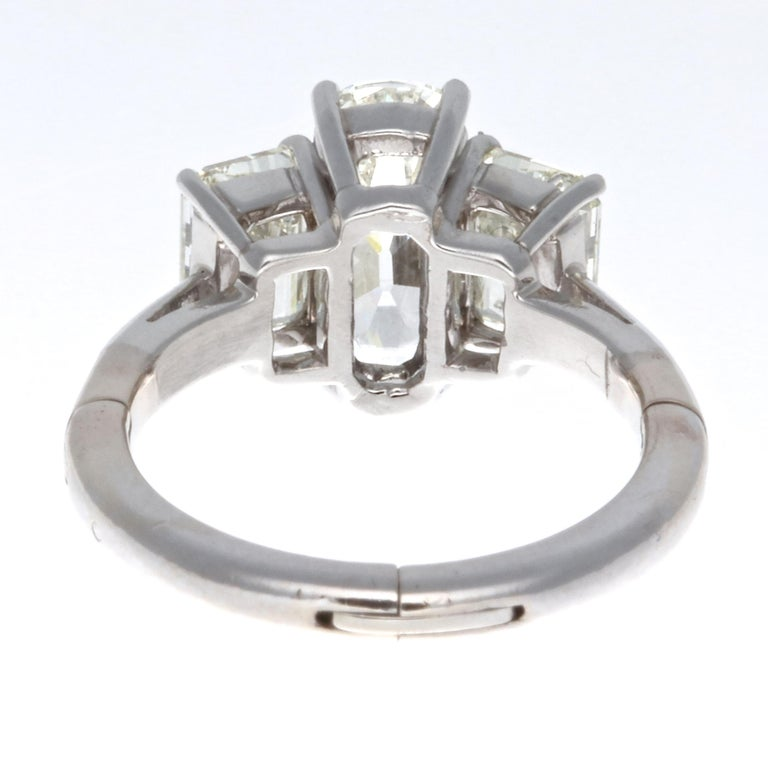 GIA 1.63 Carat Old Cushion Cut Diamond Platinum Ring In Excellent Condition For Sale In Beverly Hills, CA