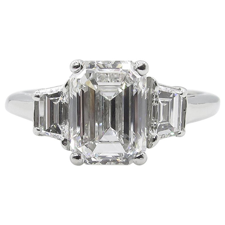 GIA 2.54 Carat Vintage Emerald cut Diamond Engagement Wedding Platinum Ring For Sale
