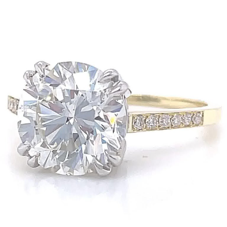 GIA 3.06 Carat Round Brilliant Cut Diamond 18 Karat Gold Engagement Ring In New Condition For Sale In Beverly Hills, CA