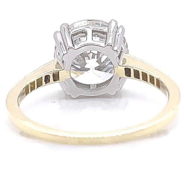 GIA 3.06 Carat Round Brilliant Cut Diamond 18 Karat Gold Engagement Ring For Sale 1