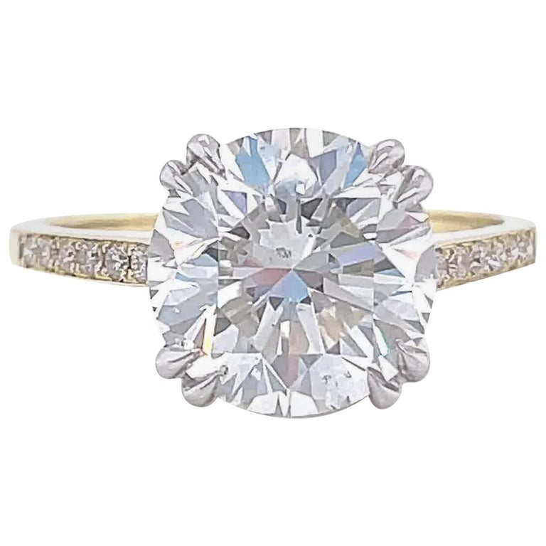 GIA 3.06 Carat Round Brilliant Cut Diamond 18 Karat Gold Engagement Ring For Sale