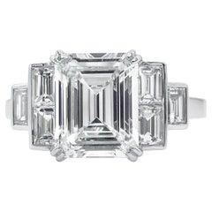 GIA 3.09 Carat Emerald cut Diamond Engagement Wedding Platinum Ring
