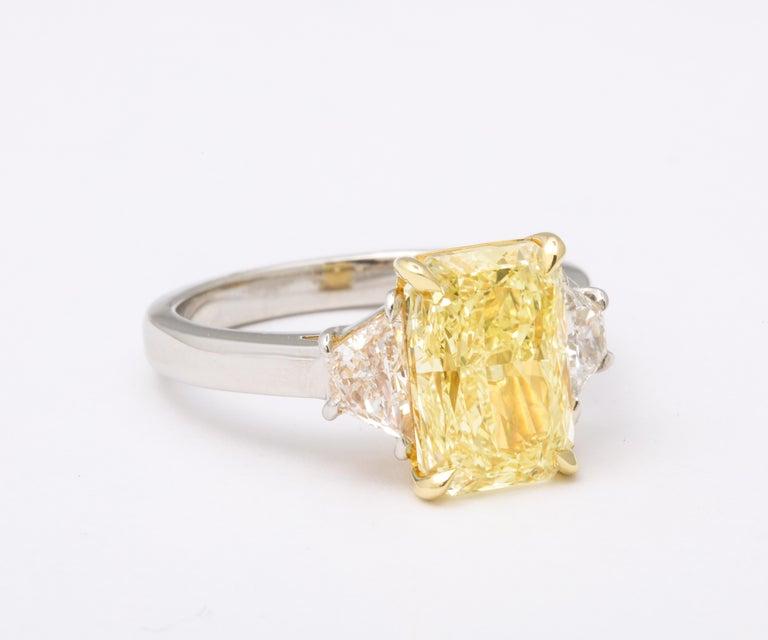Women's or Men's GIA 4 Carat Yellow Diamond Ring For Sale