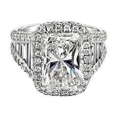 GIA 4.02 Carat E/SI1 Radiant Diamond 18 Karat Engagement Ring with Halo