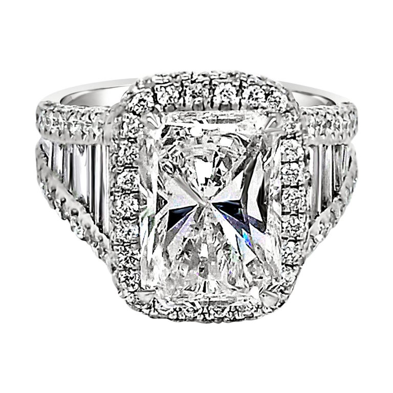 GIA 4.02 Carat E/SI1 Radiant Diamond 18 Karat Engagement Ring with Halo For Sale