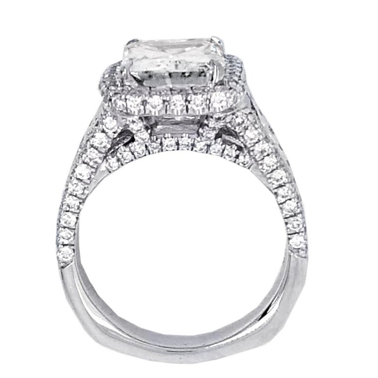 Radiant Cut GIA 4.02 Carat E/SI1 Radiant Diamond 18 Karat Engagement Ring with Halo For Sale