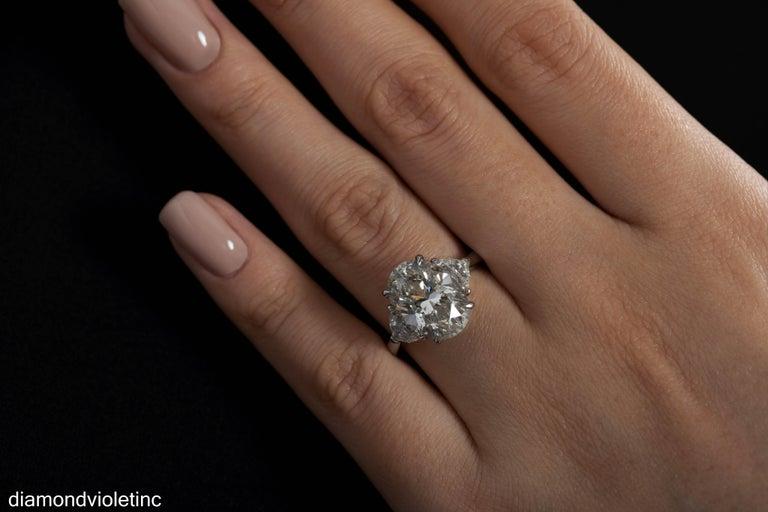 GIA 6.01ct Estate Vintage Oval Diamond 3 Stone Engagement Wedding Platinum Ring For Sale 7