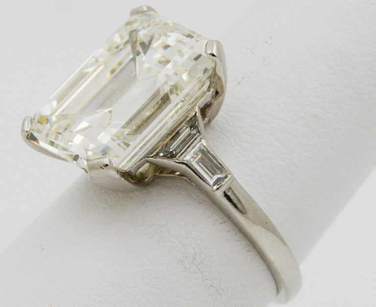 Women's or Men's GIA 9.66 Carat Emerald Cut and 5-Stone Diamond Ring For Sale