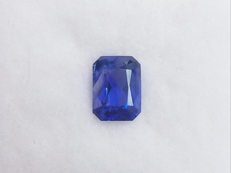 GIA Cert. 4.61 Carat Gem Quality Emerald Cut Heated Blue Sapphire Loose Stone In New Condition For Sale In Great Neck, NY