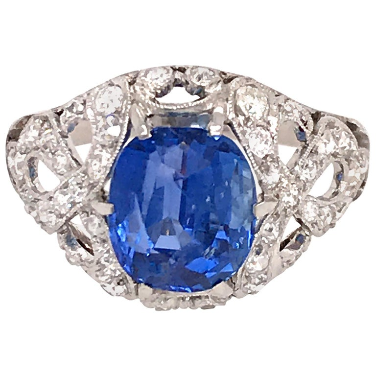 GIA Certifed Vintage No-Heat Natural Sapphire and Diamond Ring For Sale