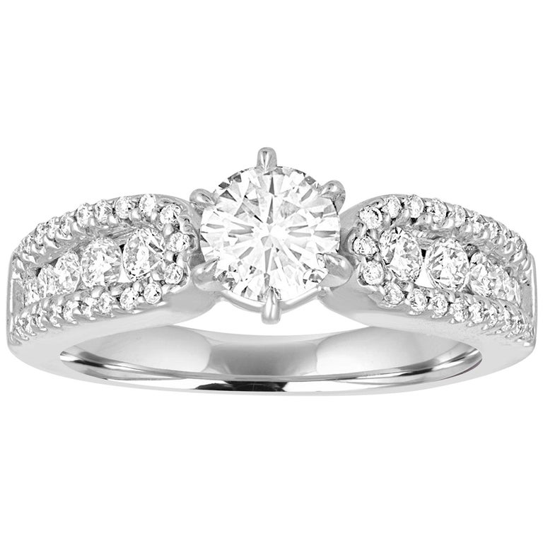 GIA Certified 0.51 Carat E VS2 Round Diamond Gold Engagement Ring For Sale