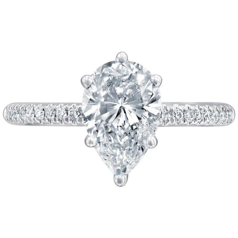 GIA Certified 1 1/2 Carat 14 Karat White Gold Pear Diamond Engagement Ring For Sale