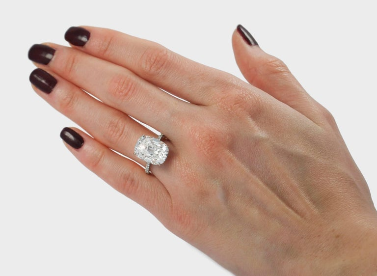 J. Birnbach GIA Certified 10.01 Carat Cushion Cut E VS2 Diamond Ring In New Condition For Sale In New York, NY