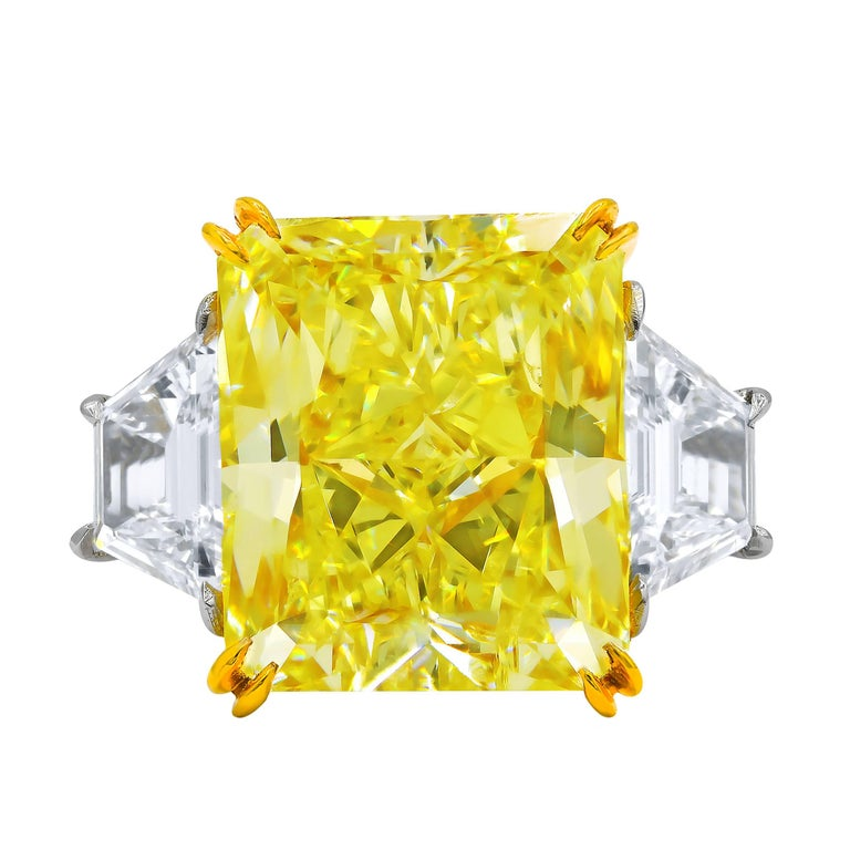 GIA Certified 10.03 Carat Fancy Yellow Radiant Cut Diamond Ring In New Condition For Sale In New York, NY