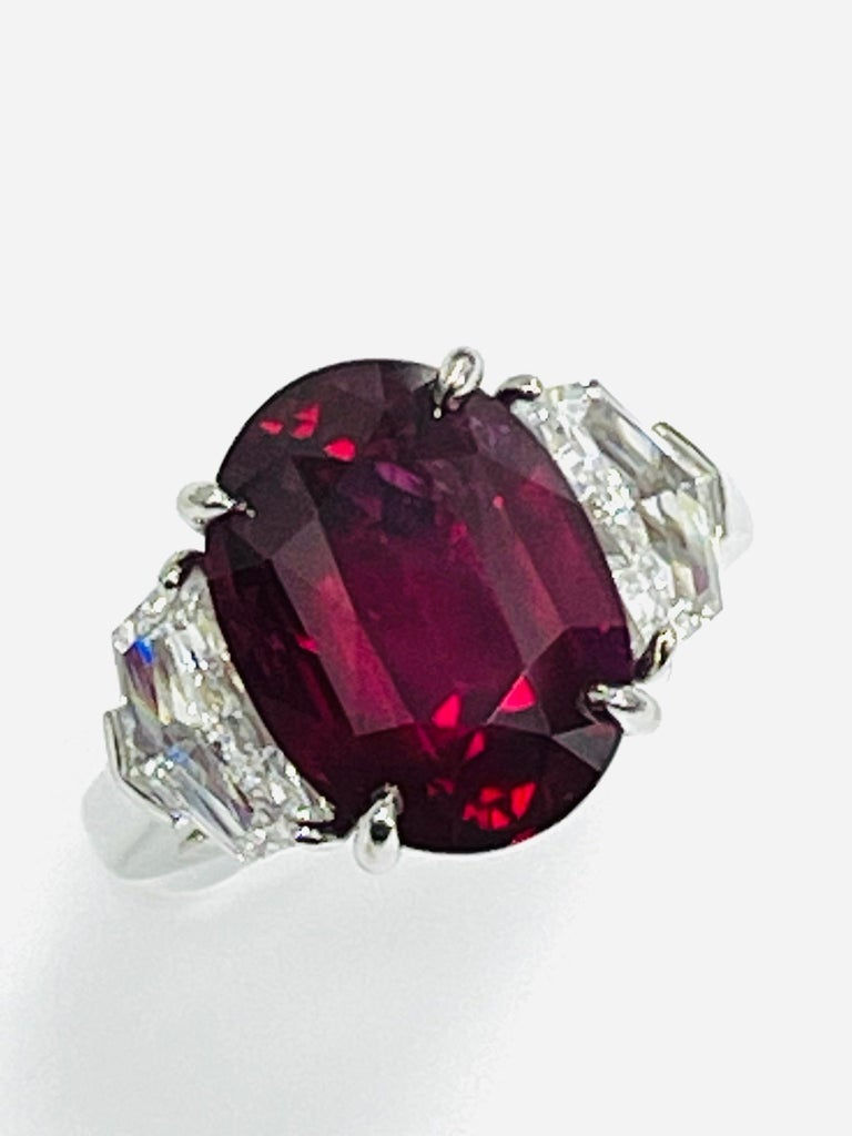 Modern GIA Certified 10.07 Carat Ruby Diamond Three Stone Ring For Sale