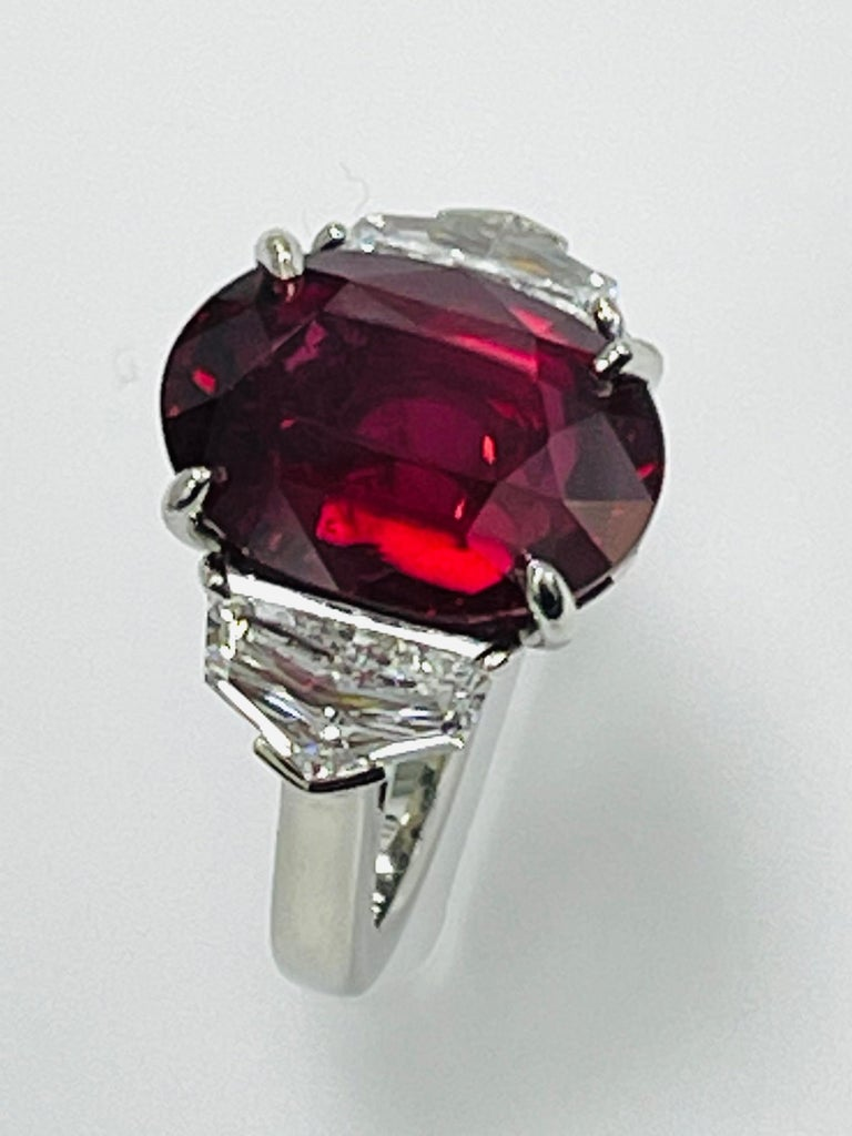 GIA Certified 10.07 Carat Ruby Diamond Three Stone Ring In New Condition For Sale In New York, NY