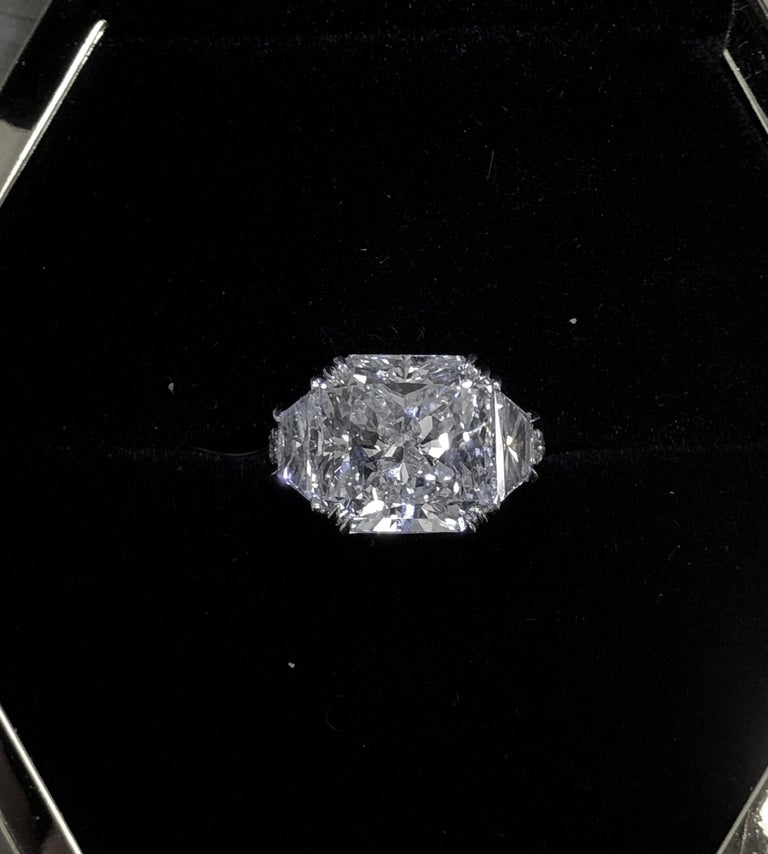 GIA Certified 10.08 Carat Radiant Cut Diamond Ring For Sale 1