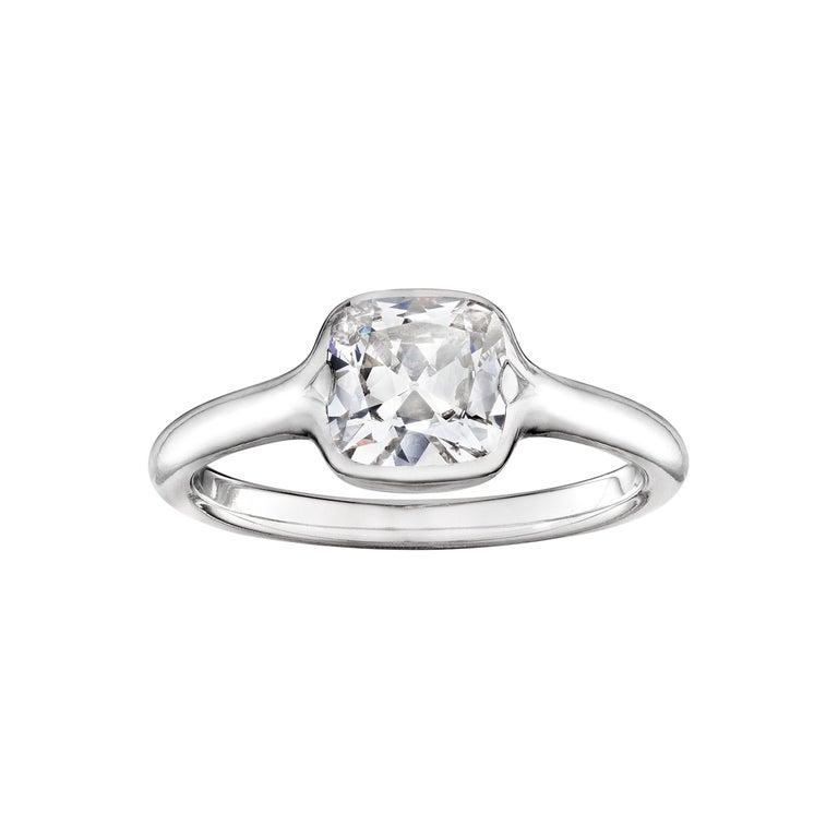 GIA Certified 1.01 Carat Diamond Platinum Ring For Sale