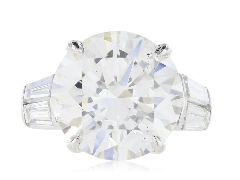 Round Cut GIA Certified 10.10 carat H/ SI1 Round Brilliant Engagement Ring For Sale