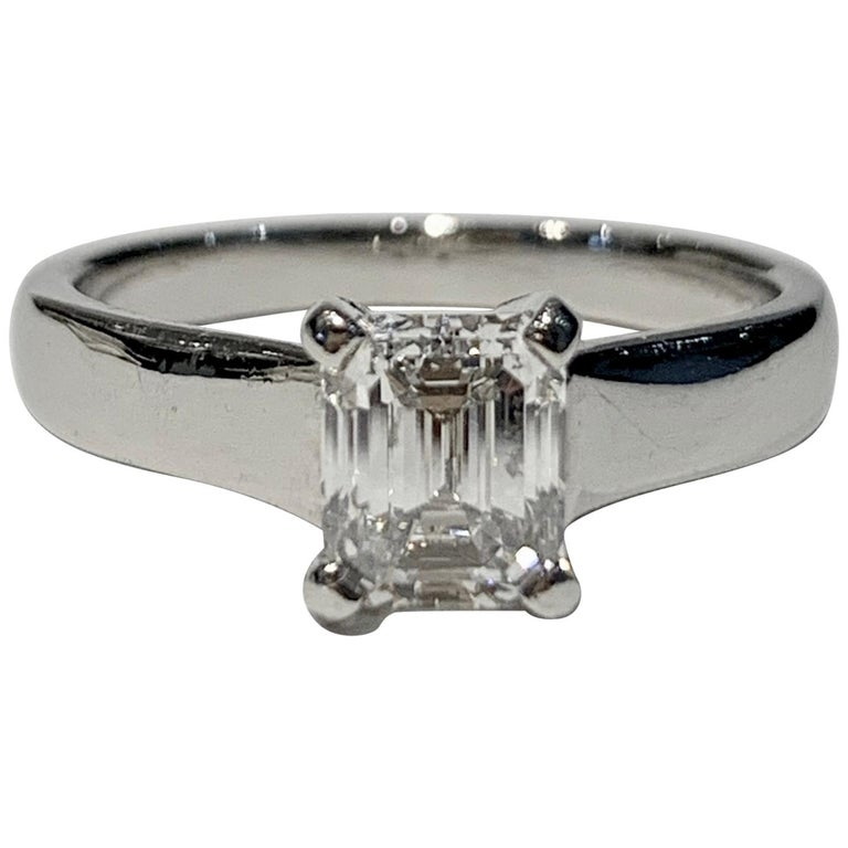 GIA Certified 1.02 Carat Emerald Cut Diamond Platinum Ring For Sale