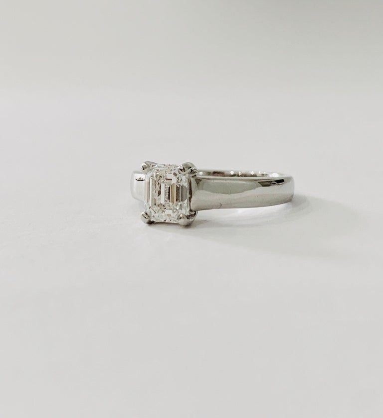 GIA Certified 1.02 Carat Emerald Cut Diamond Platinum Ring For Sale 3