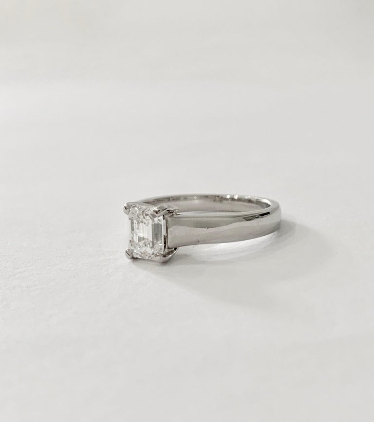 GIA Certified 1.02 Carat Emerald Cut Diamond Platinum Ring For Sale 4