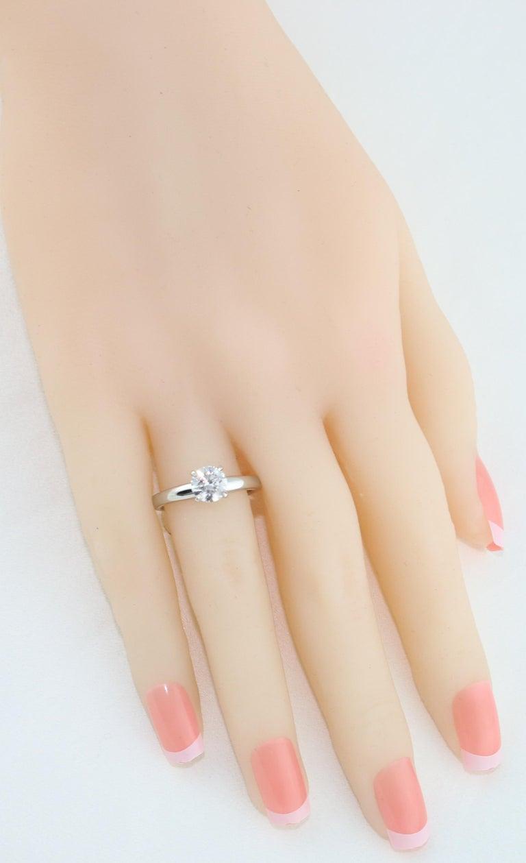 Women's GIA Certified 1.03 Carat F VVS2 Round Diamond Platinum Engagement Ring For Sale